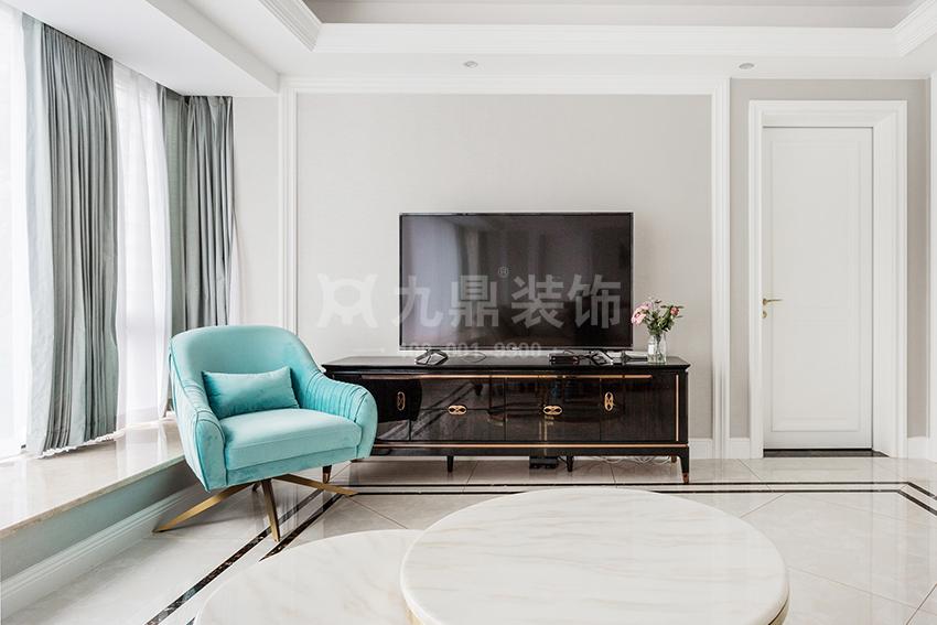 轻奢风格的客厅怎么装饰设计?定制不一样的轻奢风客厅